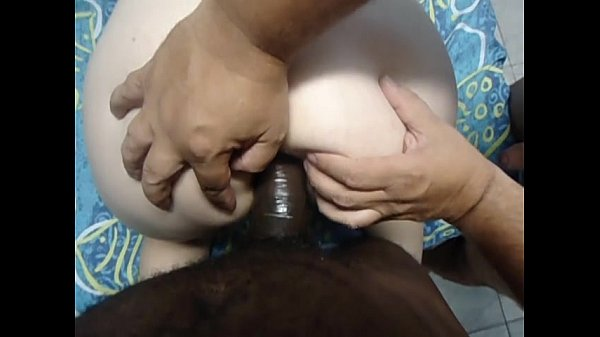 Amante negão tirando o cabaço do cuzinho da mulher do Marivaldo